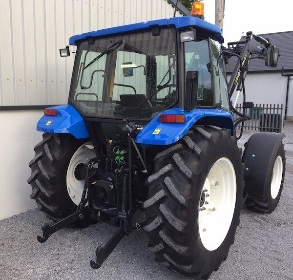 NEW HOLLAND TL90 rear view new and old tractors west ireland